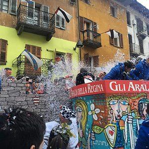 Avvistato carro da getto al Carnevale di Verrès