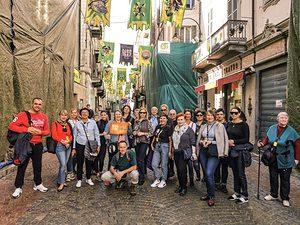 I turisti che la mattina del lunedì grasso non sapevano della fine del Carnevale.